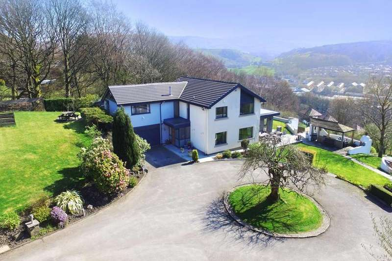 5 Bedrooms Detached House for sale in Stansfield Hall Road, Todmorden