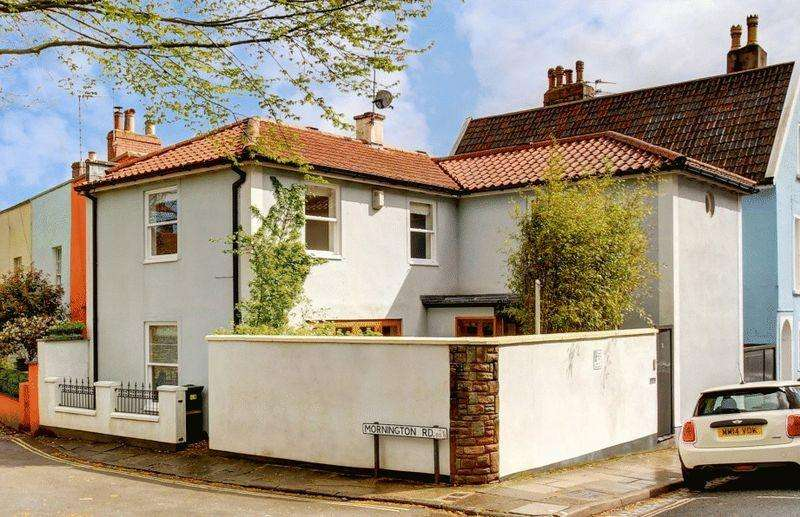 4 Bedrooms Detached House for sale in Anglesea Place, Clifton