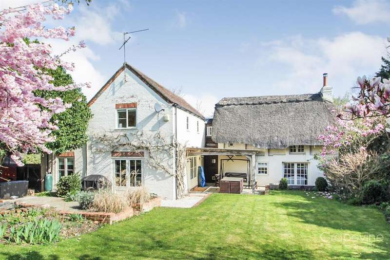 4 Bedrooms Cottage House for sale in Hurst, Reading