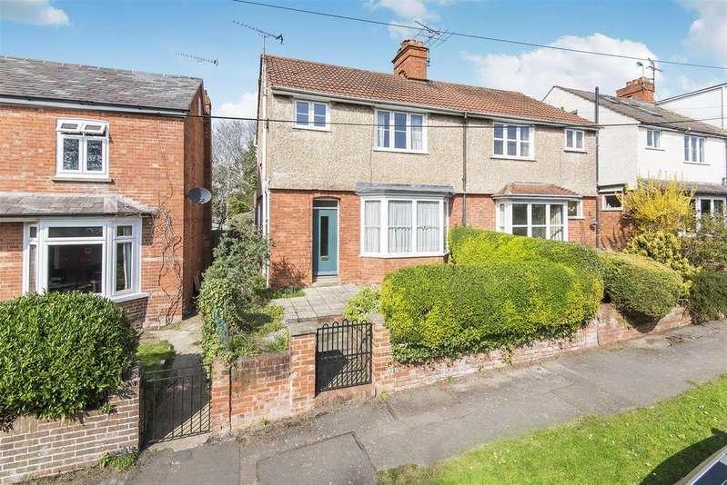 3 Bedrooms Semi Detached House for sale in Carey Road, Wokingham, Berkshire, RG40 2NP