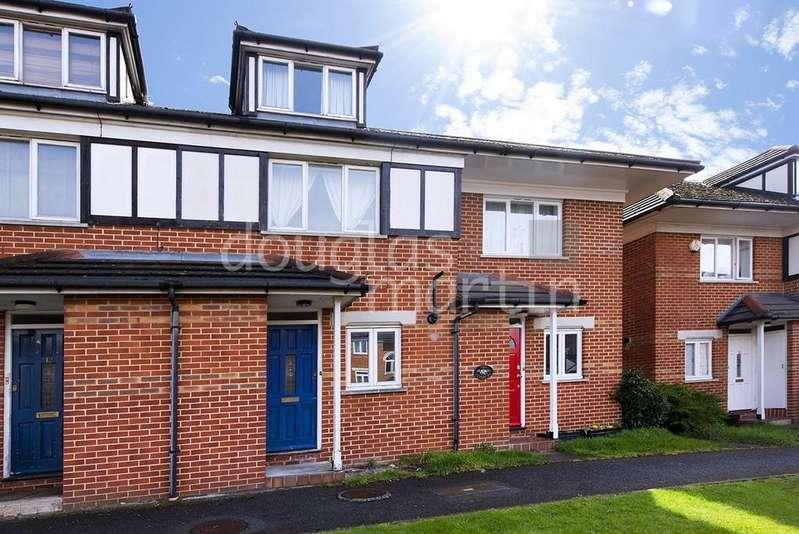 3 Bedrooms Terraced House for sale in Alwyn Gardens, London NW4