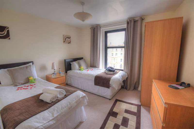 7 Bedrooms Serviced Apartments Flat for sale in The Crescent, Bridlington, YO15 2NX