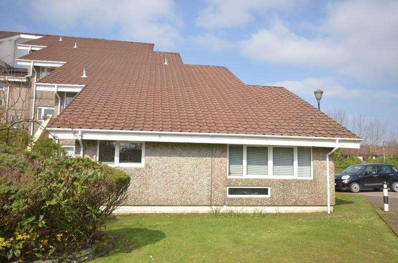 2 Bedrooms Flat for sale in Fairhaven, Dunoon, Argyll, PA23