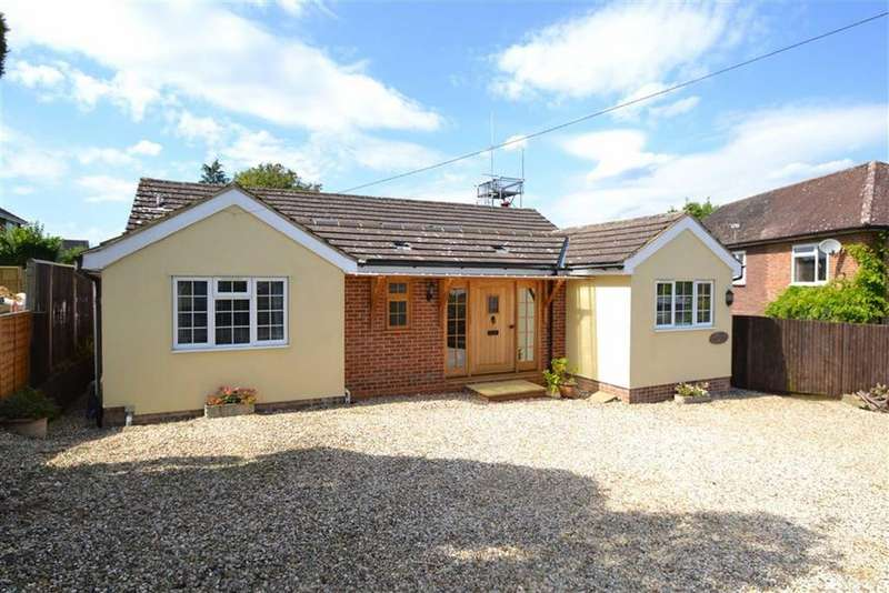 3 Bedrooms Detached Bungalow for sale in The Dell, Kingsclere, Berkshire, RG20