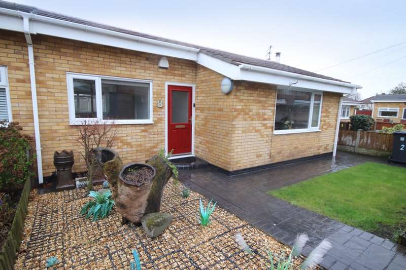 2 Bedrooms Bungalow for sale in Stand Park Close, Bootle, Merseyside, L30