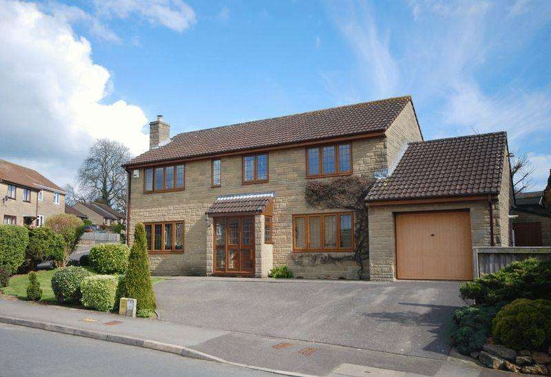 5 Bedrooms Detached House for sale in Churchfield Drive, Castle Cary