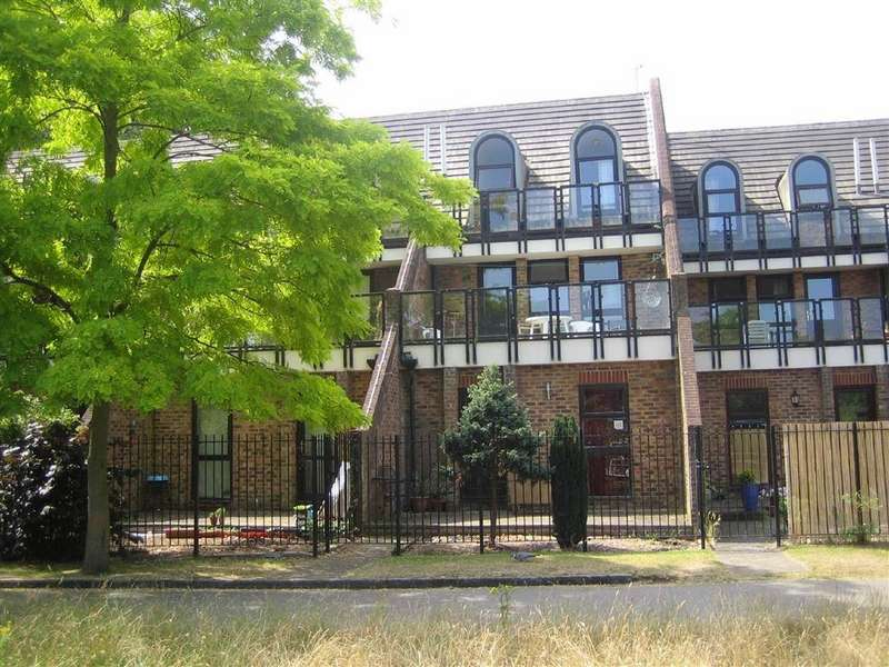 2 Bedrooms Maisonette Flat for sale in Kingfisher Place, Kings Meadow Road, Reading