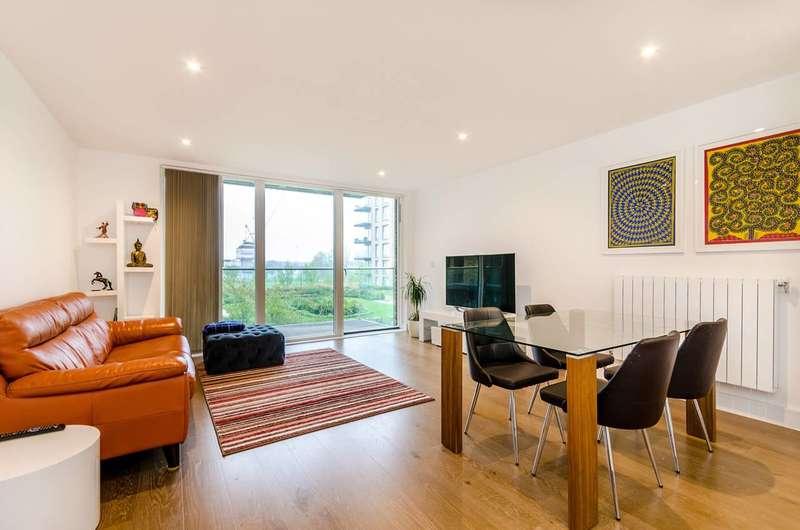 3 Bedrooms Flat for sale in Handley Drive, Kidbrooke, SE3