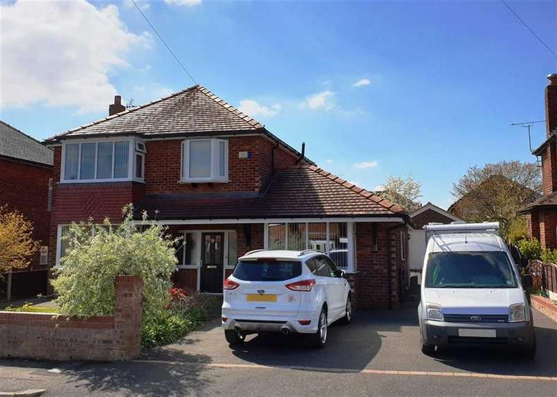 4 Bedrooms Detached House for sale in Marlow Drive, Handforth