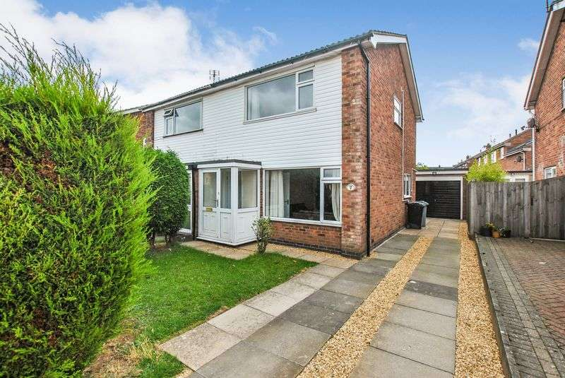 3 Bedrooms Property for sale in Troon Close, Stamford