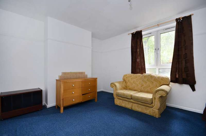 Studio Flat for sale in Munster Road, Parsons Green, SW6