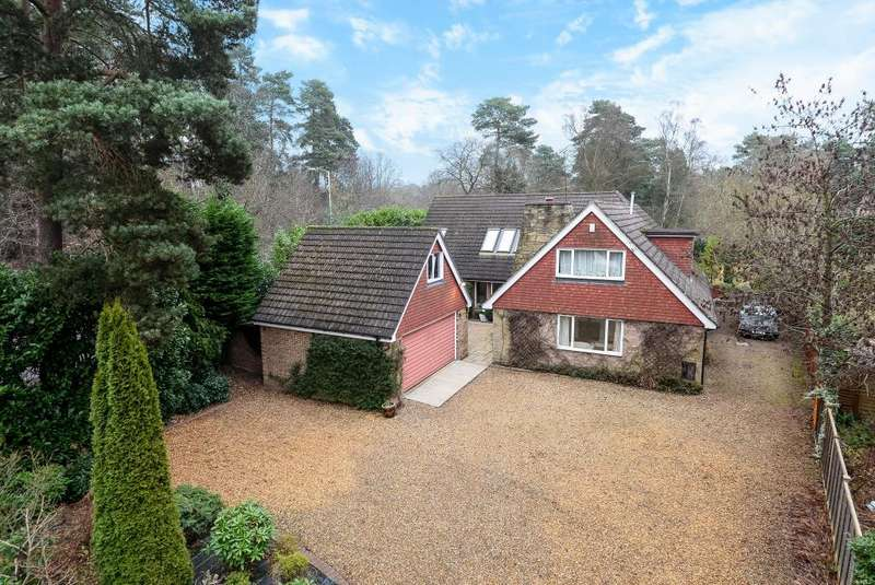 5 Bedrooms Detached House for rent in Soldiers Rise, Finchampstead, RG40