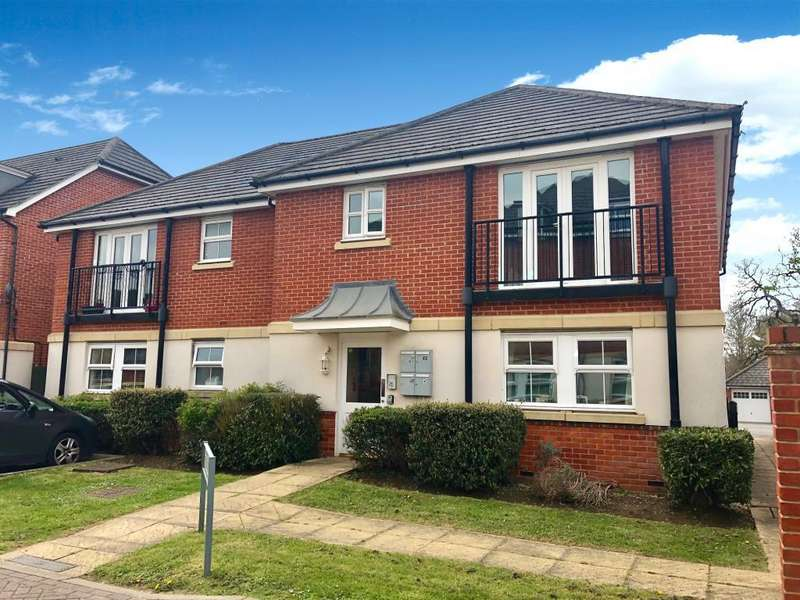 2 Bedrooms Flat for sale in Cirrus Drive, Reading, RG2