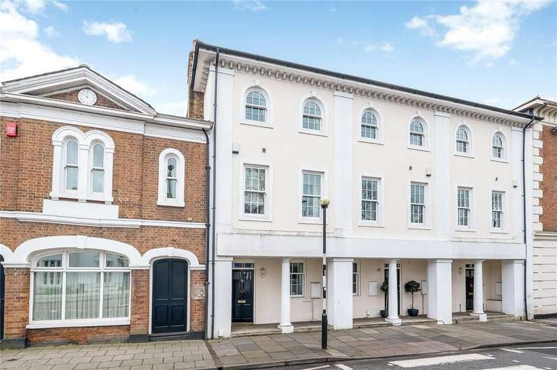 3 Bedrooms Town House for sale in Eastgate Street, Winchester, Hampshire, SO23