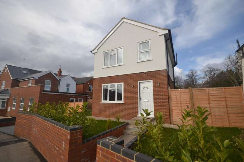 3 Bedrooms Detached House for sale in Newcastle Road, Reading, RG2