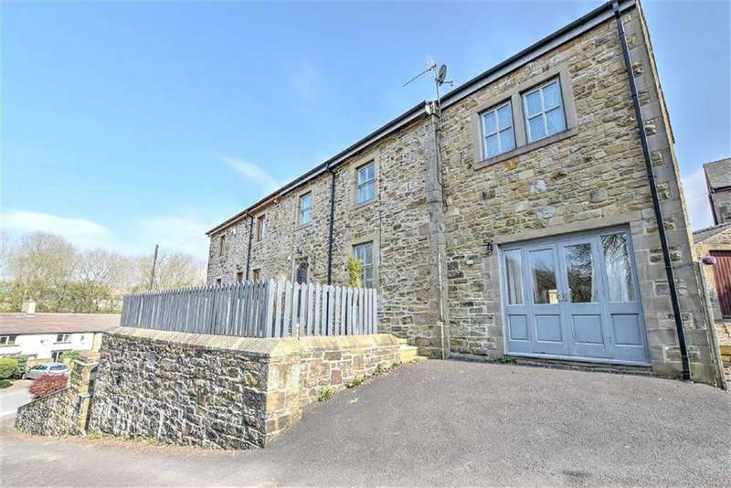 3 Bedrooms Cottage House for sale in Bear Street, Burnley, Lancashire