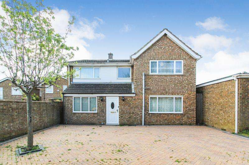 4 Bedrooms Detached House for sale in Redgrave Gardens, Luton