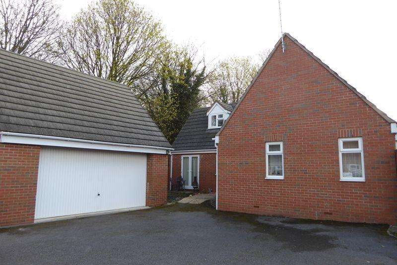 3 Bedrooms Detached House for sale in RICHVILLE, NAAS LANE, QUEDGELEY, GLOUCESTER GL2 2SA