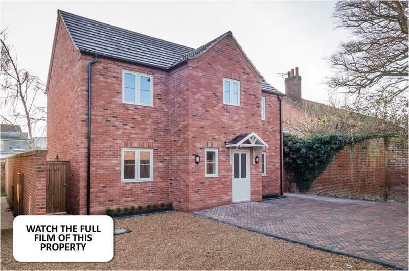 4 Bedrooms Detached House for sale in Swaffham