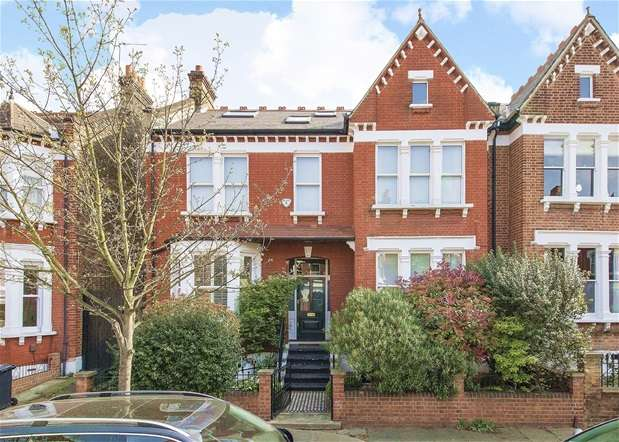 6 Bedrooms Semi Detached House for sale in Gubyon Avenue, Herne Hill