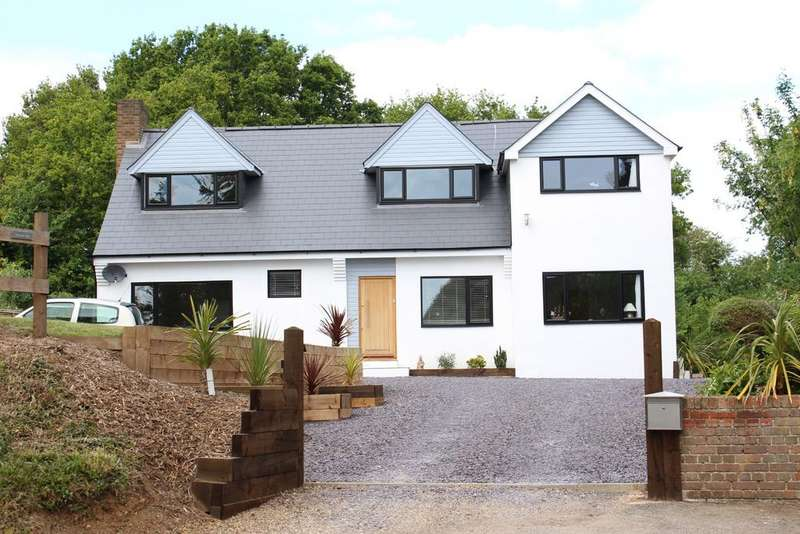 4 Bedrooms Detached House for sale in Harvest Hill Road Berkshire