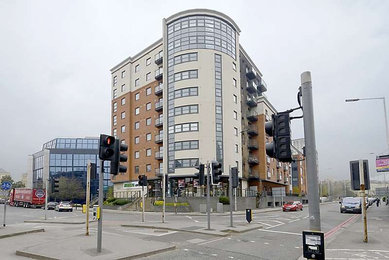 2 Bedrooms Flat for sale in Watlington Street, Reading, Berkshire, RG1