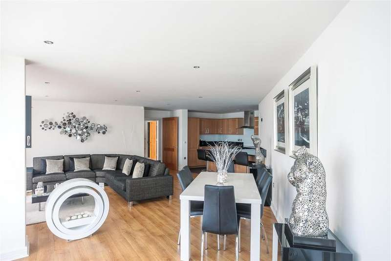3 Bedrooms Apartment Flat for sale in Clifton Village, Bristol