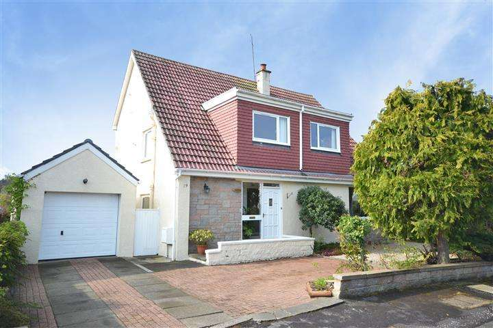 4 Bedrooms Detached Villa House for sale in 19 Finnick Glen, Alloway, KA7 4RF