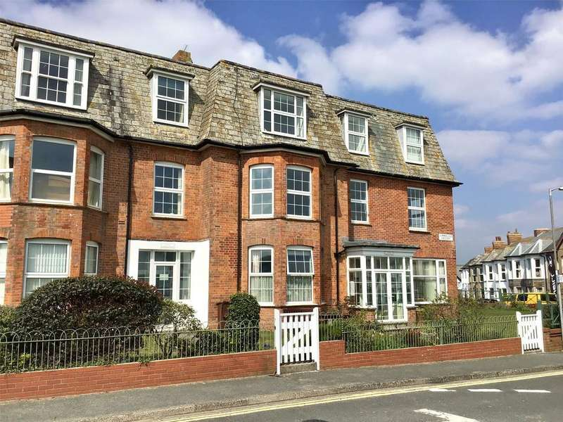 3 Bedrooms Apartment Flat for sale in Erdiston Court, Summerleaze Crescent