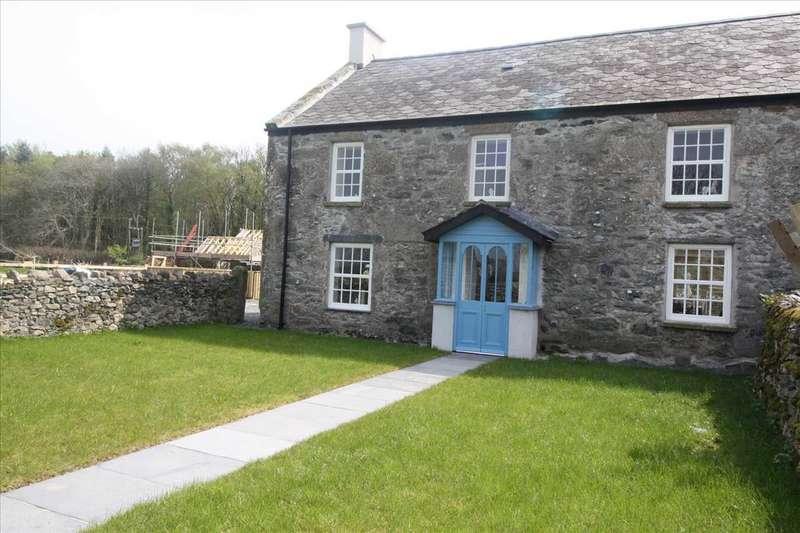 4 Bedrooms Property for sale in Llwyn Onn, Llanfairpwll