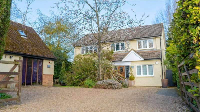 4 Bedrooms Detached House for sale in Langley Road, Chipperfield, Kings Langley, Hertfordshire, WD4