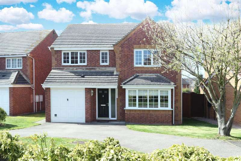 4 Bedrooms House for sale in Long Brimley Close, Market Harborough