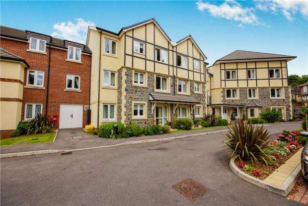 2 Bedrooms Apartment Flat for sale in William Court, Overnhill Road, Downend, Bristol, BS16 5FL