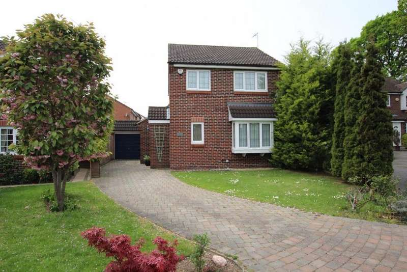 3 Bedrooms Detached House for sale in Silver Birches, Wokingham, RG41