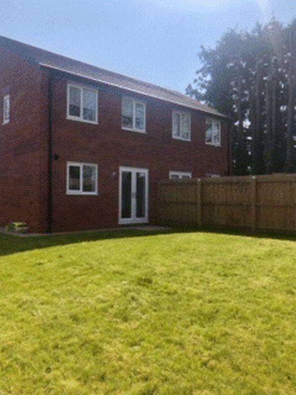 3 Bedrooms Semi Detached House for sale in Longridge Drive, Bootle