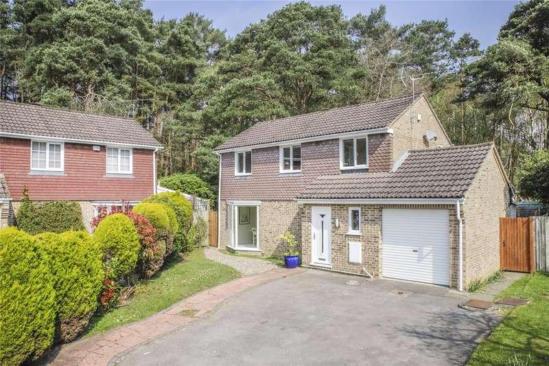 4 Bedrooms Detached House for sale in Compton Close, Sandhurst, Berkshire, GU47