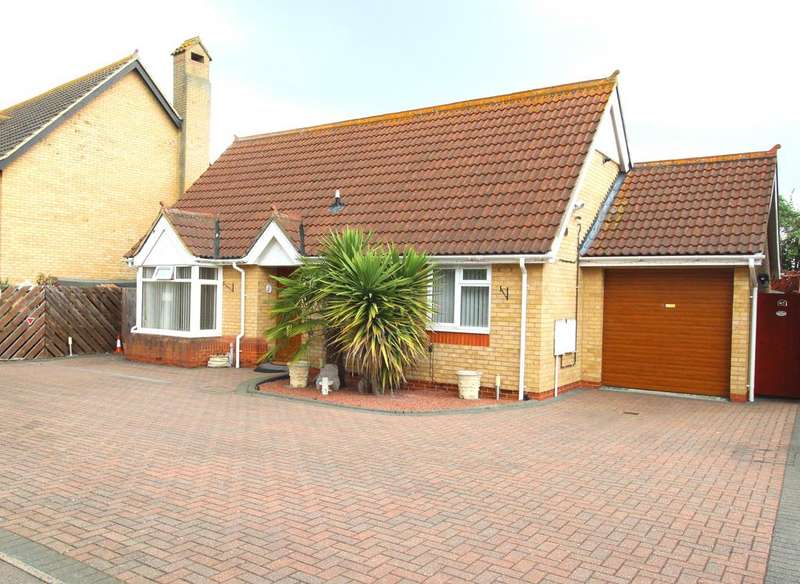2 Bedrooms Detached Bungalow for sale in Merlin Drive, Sandy SG19