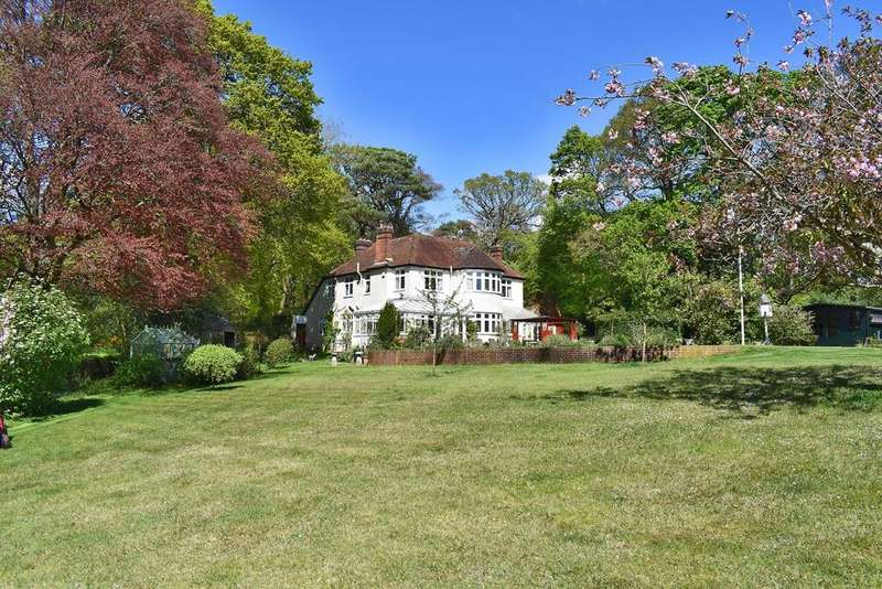 4 Bedrooms Detached House for sale in Southampton Road, Boldre, Lymington, SO41