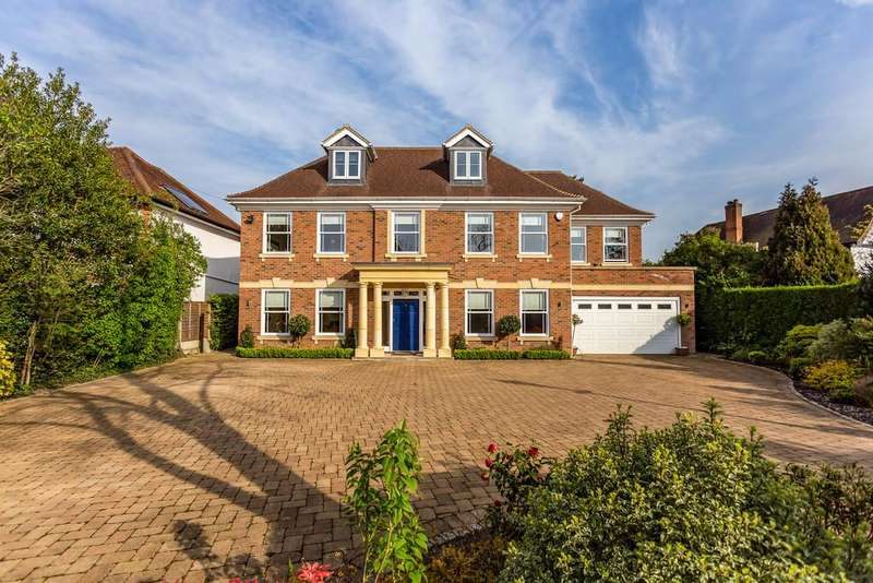 7 Bedrooms Detached House for sale in The Drive, Ickenham