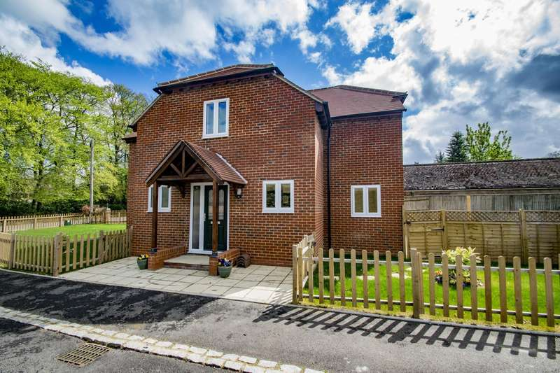 4 Bedrooms Detached House for sale in Beech Lane, Woodcote, RG8