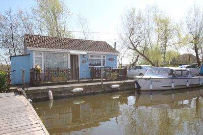 1 Bedroom Bungalow for sale in Horning, Norwich, Norfolk