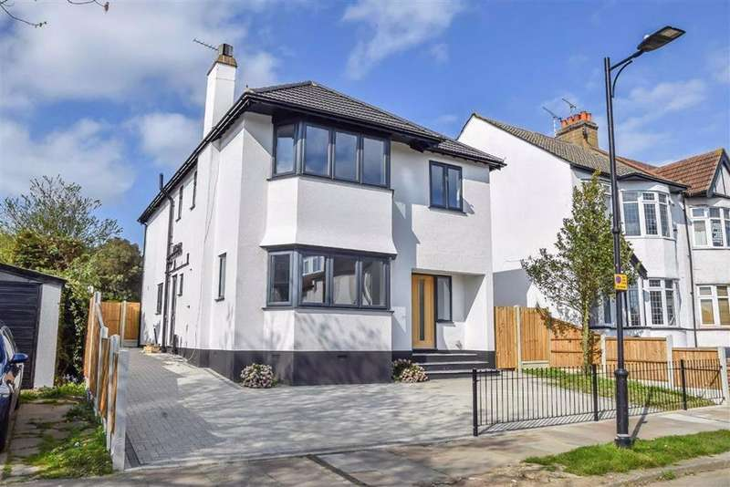 4 Bedrooms Detached House for sale in Percy Road, Leigh-on-sea, Essex