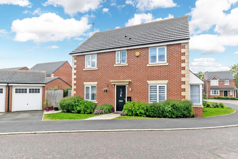 4 Bedrooms Detached House for sale in Wedgwood Drive, The Heath, Warrington