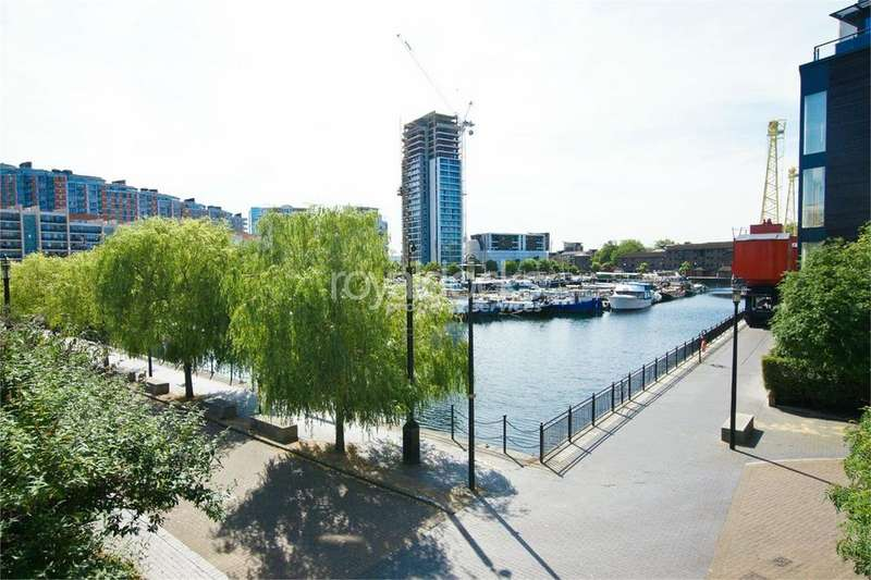 2 Bedrooms Apartment Flat for sale in Boardwalk Place, London, E14