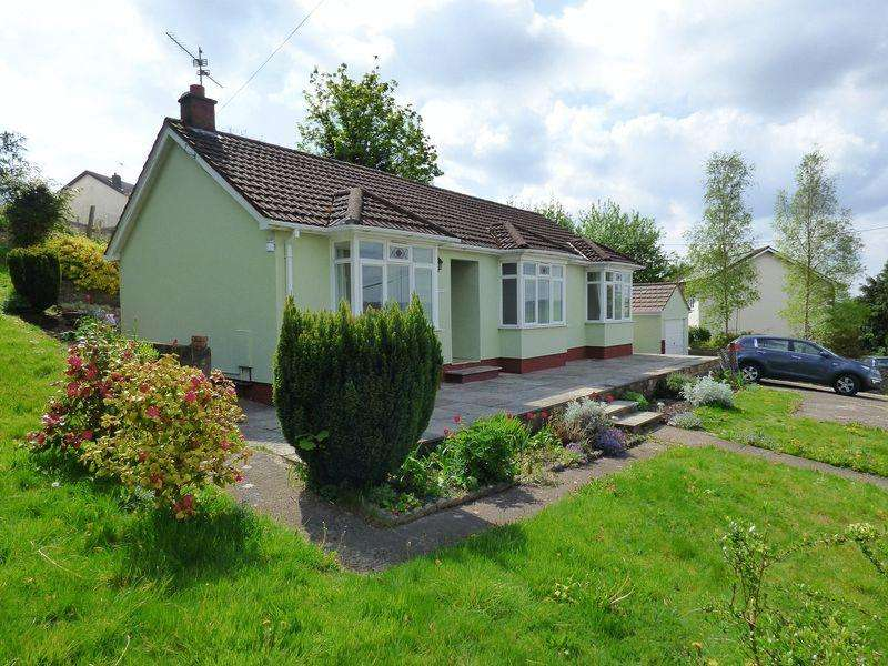 2 Bedrooms Detached Bungalow for sale in Victoria Street, Cinderford