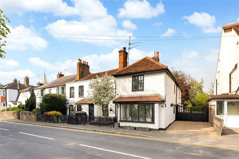 3 Bedrooms Semi Detached House for sale in Horton Road, Datchet, Slough, SL3
