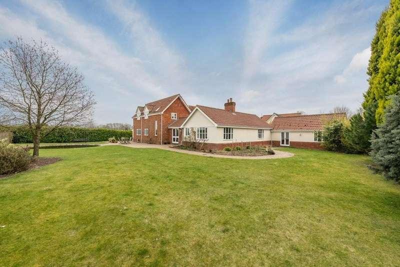 5 Bedrooms Detached House for sale in Langton Park, Eye