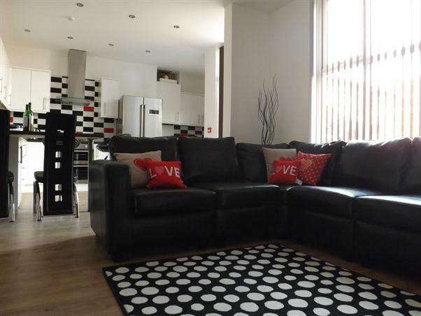 8 Bedrooms House Share for rent in Egerton Rd, Fallowfield, Manchester m14
