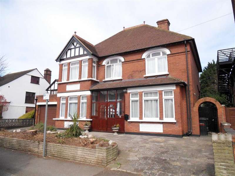 5 Bedrooms Detached House for rent in Close To Town Centre