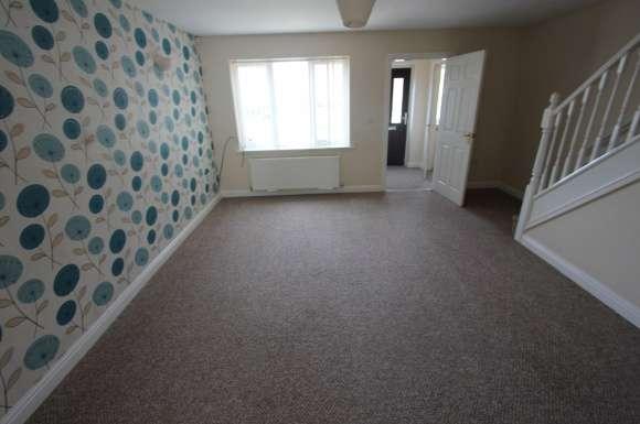 3 Bedrooms Property for sale in Kendal Court, Stalybridge
